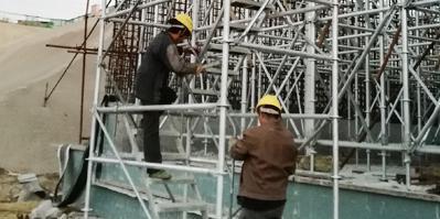 速安捷分享安全爬梯的正确使用方法