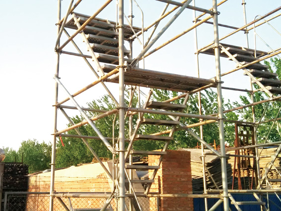 中建四局第五建筑采购速安捷盘扣式安全爬梯4000米!